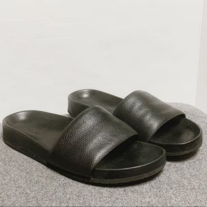 Vince Black Pebbled Leather Slide Sandal 9.5